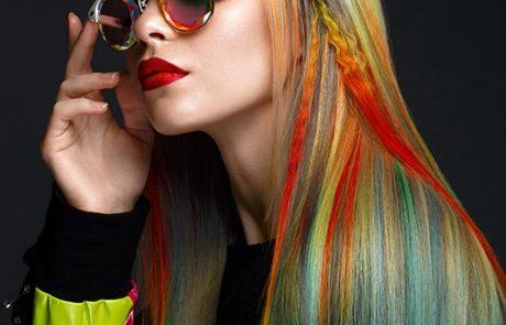 Renkli Saç Modeli